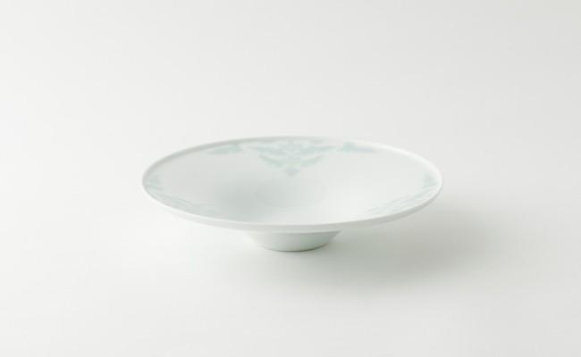 伊万里焼/畑萬陶苑/青磁唐花浮彫反パスタ皿の詳細