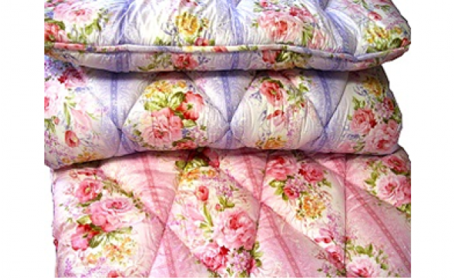 軽くて簡単に収納できる羊毛敷布団(カラー:ピンク、サイズ:シングル)