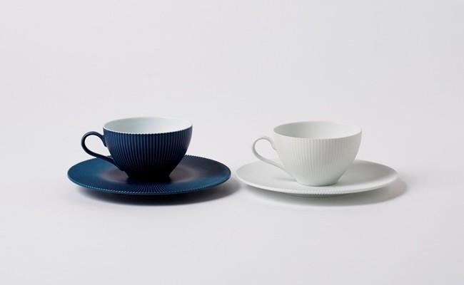 有田焼/李荘窯/内白青マットと白磁ブラスト鎬ティーカップ&ソーサー
