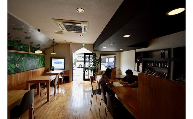 1階は21時から佐賀の日本酒を飲めるBARになっております。