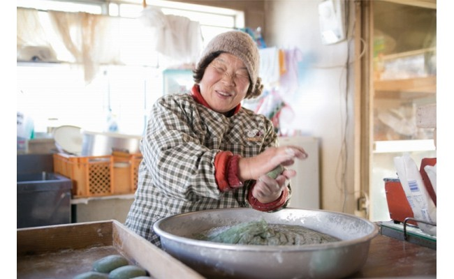 笑顔が素敵な、生産者の右田さん