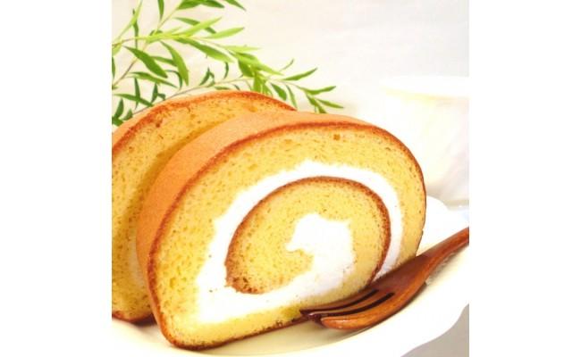 阿波和三盆糖と徳島の養蜂家トクさんの蜂蜜をたっぷり使ったふわふわロールです。