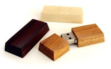 越前漆器職人が作る『Hacoa 木製USBメモリー(ショコラミニ)1個』