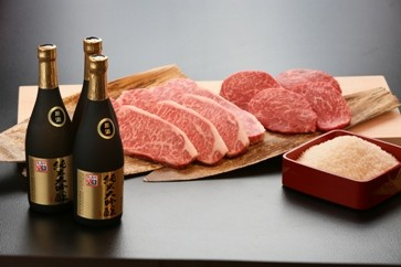 55C.湯梨浜の地酒×湯梨浜のお米×鳥取和牛ステーキセット