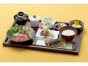 B5-03.いよやかの郷 入浴券付贅沢御膳ペアお食事券