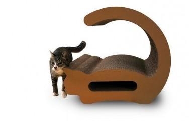 (31)猫の爪とぎ・ロシアンブルー