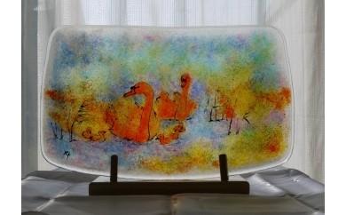 """H-2201 心を掴んで離さない点描画 """"一点もの""""無鉛ステンドグラス絵皿「白鳥」"""