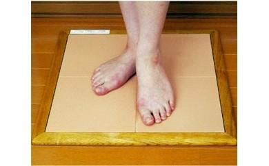 珪藻土バスマット「すきっと」Mサイズ 48cm×48cm×厚さ1.5cm