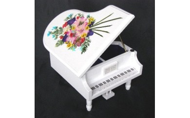 002-005 < 18弁オルゴール > グランドピアノ(創作押し花絵)