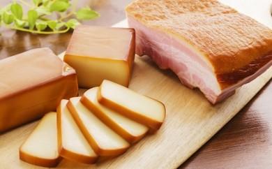 [№5812-0021]ミツマル燻製所スモークチーズ・スモークベーコン詰合せB