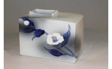 A150-6 有田焼 吹墨花器 「白椿」 聡窯