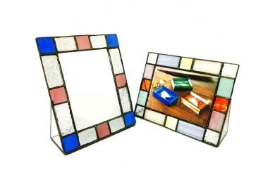 No.075 ガラス体験利用券 ステンドグラス(フォトスタンドBタイプ又はミラースタンドBタイプ) / 手作り体験 写真立て 鏡 ガラス細工 愛知県