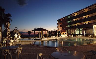 T-2 リゾートホテル海辺の果樹園 1泊2食付きペア利用(平日)ビップルーム宿泊券