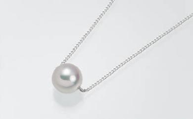 真珠品評会入賞常連のオーハタパールが作る海の宝石 アコヤ真珠プチネックレス(WG)