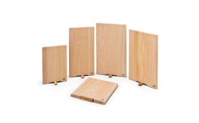 四万十ヒノキ薫る 一枚板スタンドまな板