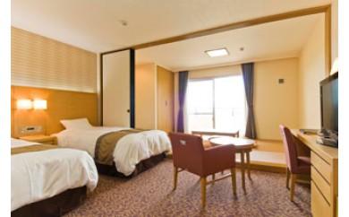 ホテルむら咲むら 1泊朝食付き宿泊券(ペア)とシーサー色付け体験(ペア)