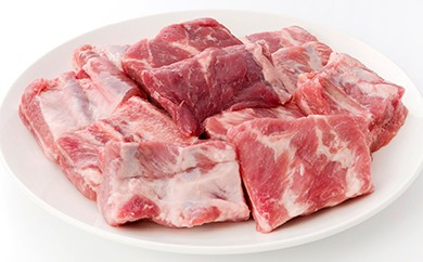 【X003】島の定番 懐かしいお婆ちゃんの味ソーキの煮付用 豚のあばら骨付きバックリブ【10000pt】
