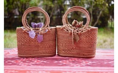 バリ島の伝統工芸 アタバッグ<サライバッグ巾着付きSサイズ> 色:「暖色系」(橙~赤~桃)