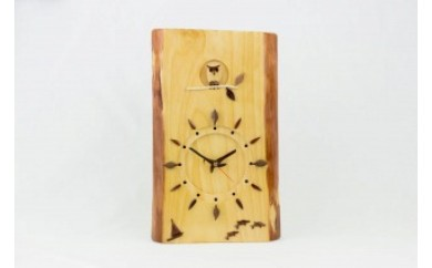 リュウキュウマツの壁掛時計