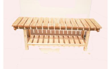 大工さん手作りの檜ベンチ