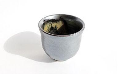 E002 陶修窯 碁点焼 銀砂ぐい呑