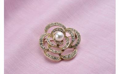 【AF86】真珠品評会入賞常連のオーハタパールが作る海の宝石 アコヤ真珠ブローチ(バラ)【20,000pt】