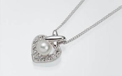 真珠品評会入賞常連のオーハタパールが作る海の宝石 アコヤ真珠ペンダント(ハート)