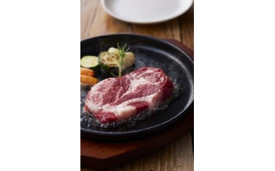 B33  イベリコ豚肩ロースステーキ