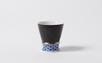 伊万里焼/畑萬陶苑/キュイールデザイン青海波リング付フリーカップ銀