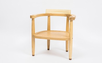 【E-001】工房 外山の天然木子ども椅子