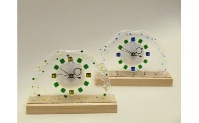 C-040 春待ちガラスの置き時計(グリーンまたはブルー)