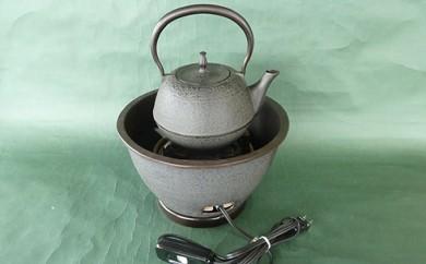 [№5805-1206]鉄瓶、瓶掛火鉢、炭型ヒーターセット