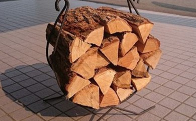[№5642-0172]高級ブランド「キャンプ用薪セット」あしょろのナラ薪15kg詰 1箱