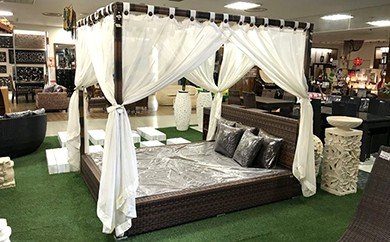 バリ&アロハ シンセティックラタン製 天蓋付ベッド