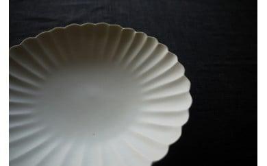 【A】〔臼杵焼〕白磁輪花 菊花鉢