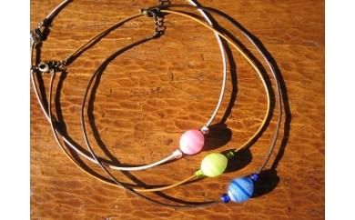 30E-091 ライン模様が入ったとんぼ玉のネックレス