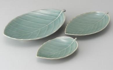 青磁葉形皿セット
