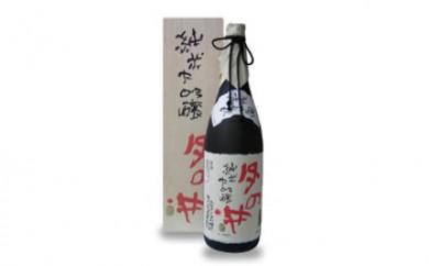 月の井 片岡鶴太郎ラベルシリーズ 純米大吟醸「書」1.8L