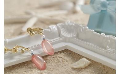 幸せを呼ぶ桜貝イヤリング