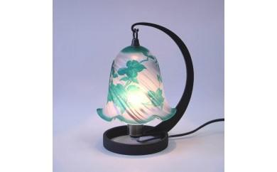 ガレ調ランプ 緑のハナミズキ
