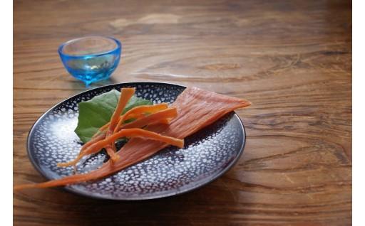 [B-4603] 至極希少 濃厚美味なナマコ卵巣の酒の肴 「ばちこ」 1枚