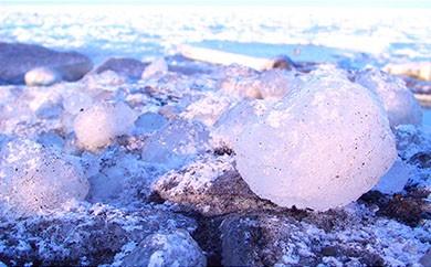 オホーツク海の流氷(5kg程度)