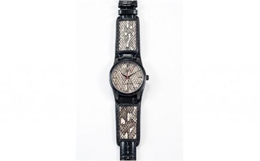 0703 沖縄初 県産ハブ革文字盤時計「Uwatchna-」 メンズL / ナチュラル