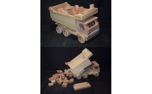 3-8  手作り木のおもちゃ  ダンプカー