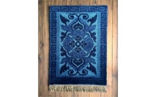18603.鍋島緞通「蟹牡丹文 藍三色」