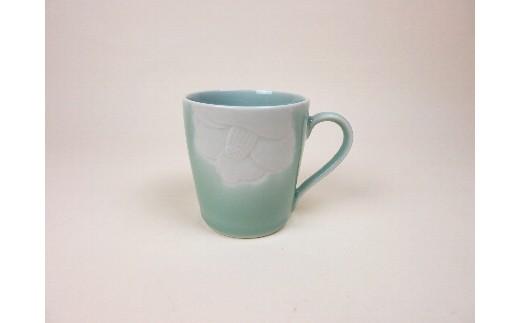 H358青磁椿彫マグカップ