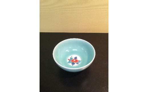 H378青磁色絵椿茶碗