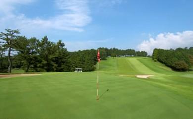 沼津ゴルフクラブプレーご招待券(平日のみ、2名様、セルフプレー、昼食なし)