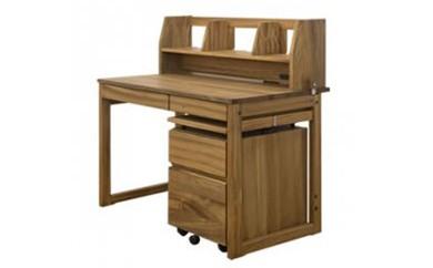 ◆一生の宝物。楠の木の優しい香りがする学習机