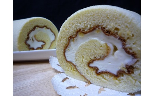 I-026 信州中野産りんご蜂蜜の純生ハニークリームロール
